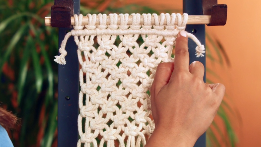 Domestika macrame basic and complex knots course