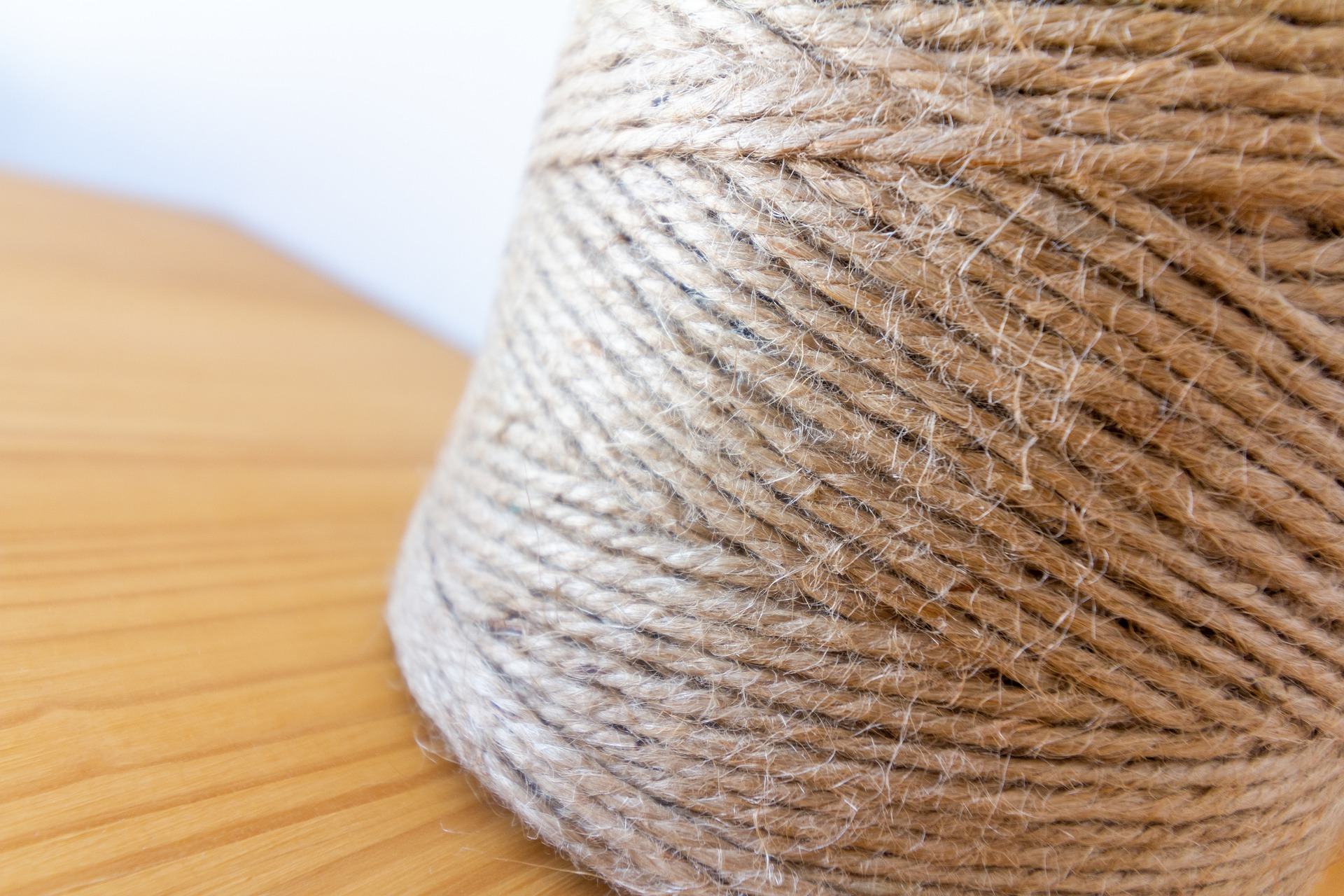 Natural or synthetic fibers for macrame - Jute