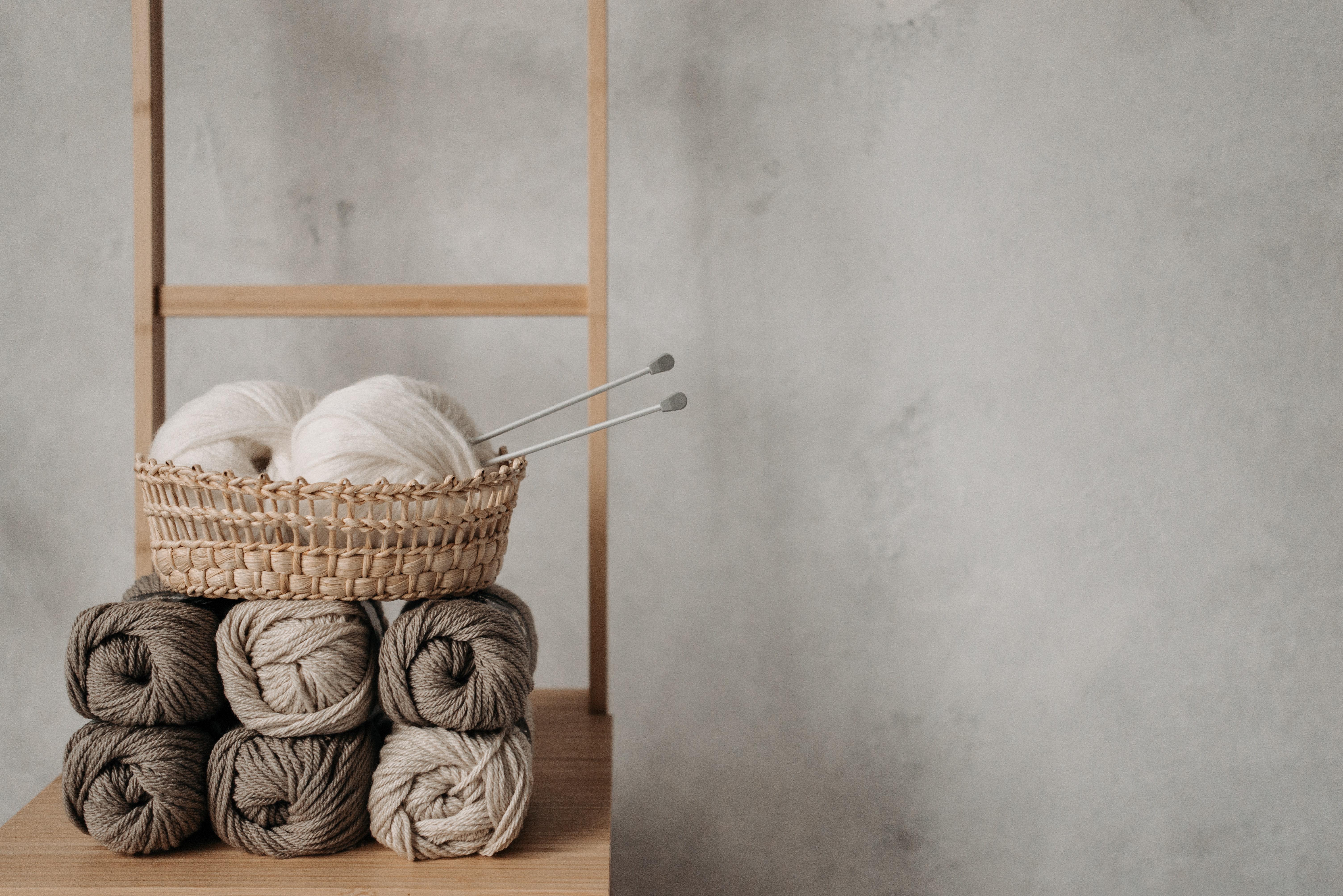 Knitting yarn macrame